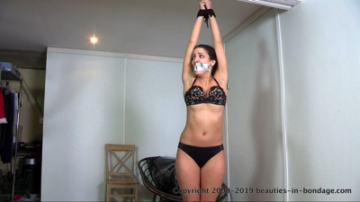 Jasmine St James: Up On Her Toes (MP4)